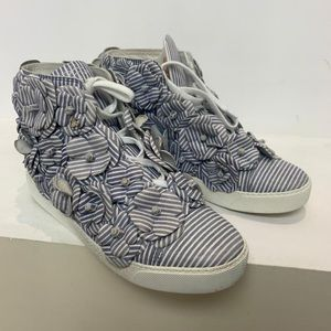 !sold! Chanel camellia sneakers sz 39